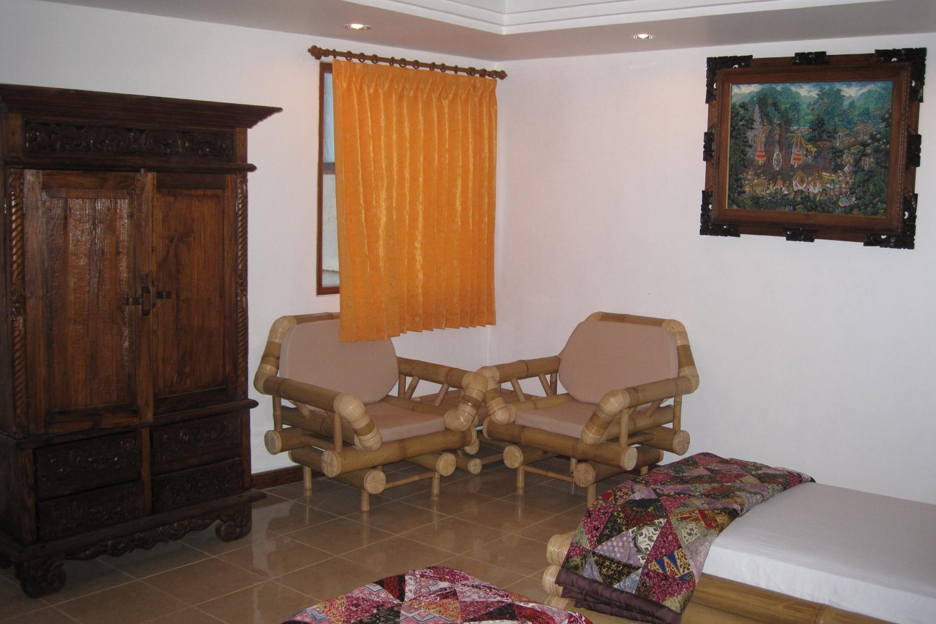 Raja Suite sitting corner twin bedroom